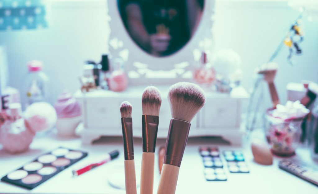 Become the master of make-up