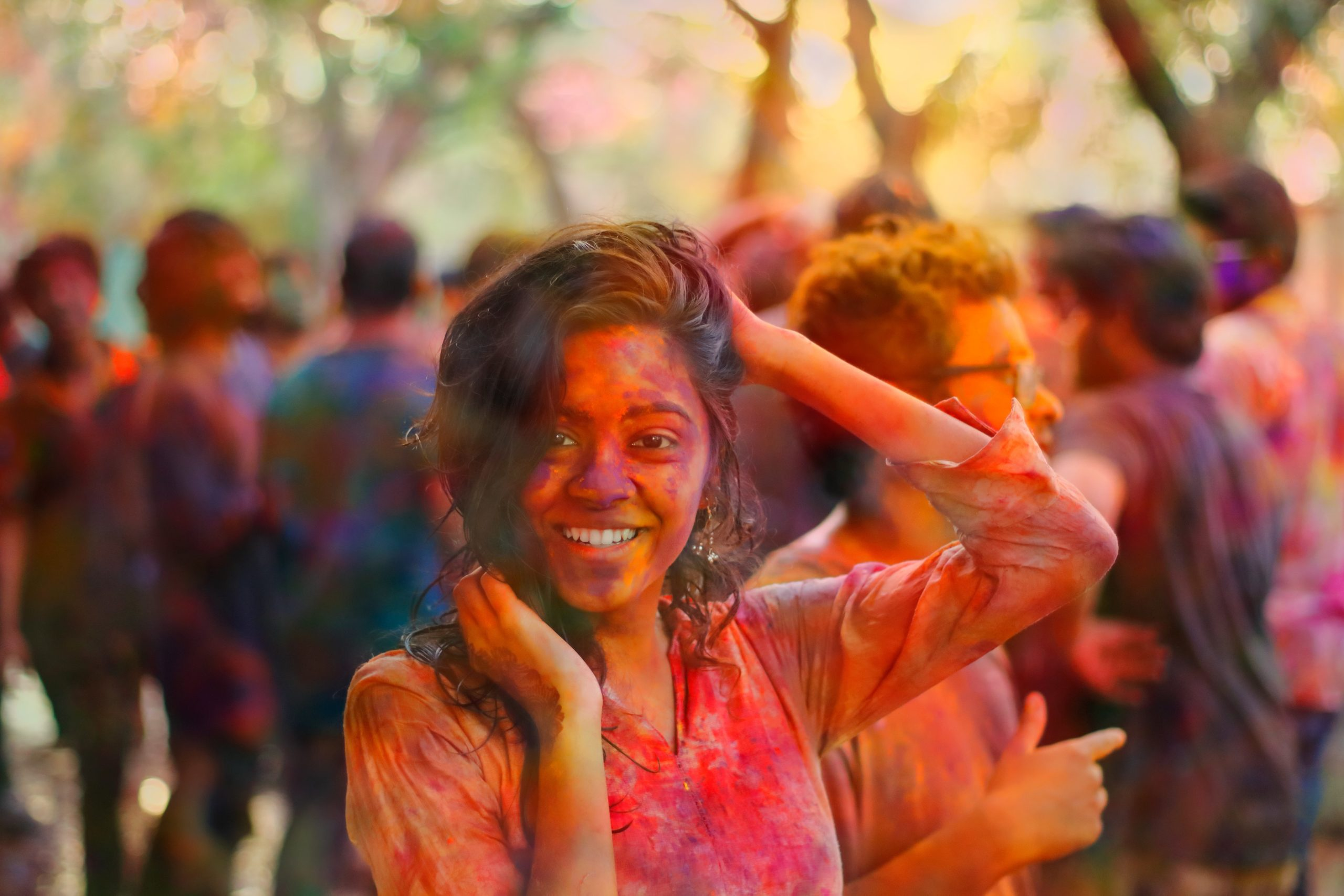 Tips and Precautions to protect your skin during Holi celebrations