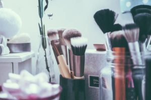 Why makeup is essential to look beautiful?